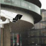 Fixné kamery pre dohľad letísk a verejnej dopravy