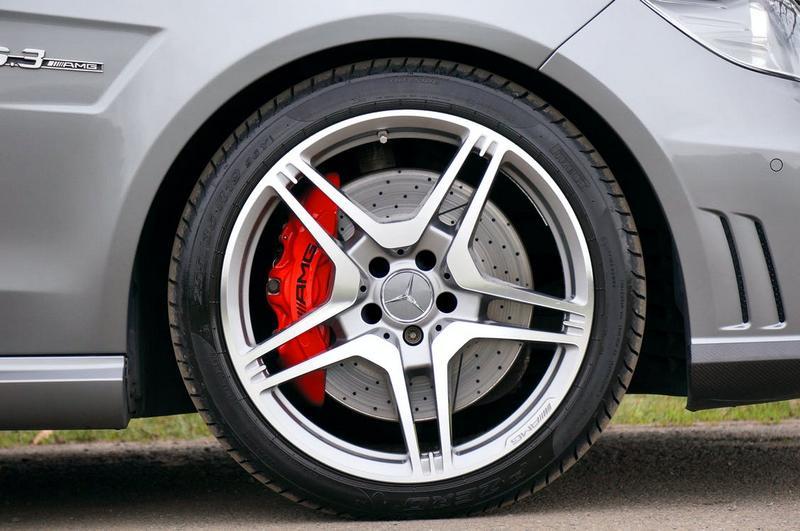 Je čas prejsť na letné pneumatiky